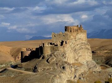 قلعه هوشاپ شهر وان