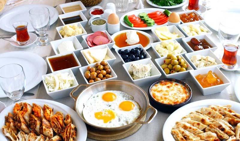 صبحانه در شهر وان